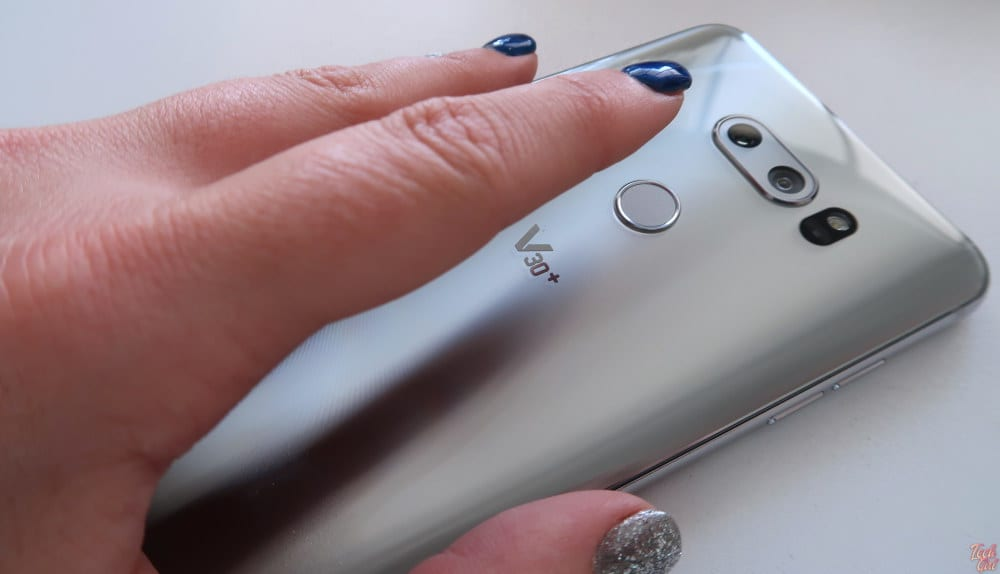 The best phone for vloggers? This vlogger votes no - Tech Girl